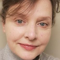 Dr Lorraine  Archer
